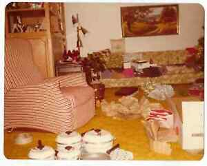 Vintage 80s Photo Interior Living Room W Gifts All Over Ebay