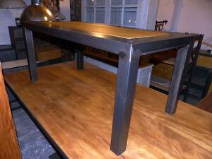 details sur table basse industrielle metal et bois creation meuble industriel