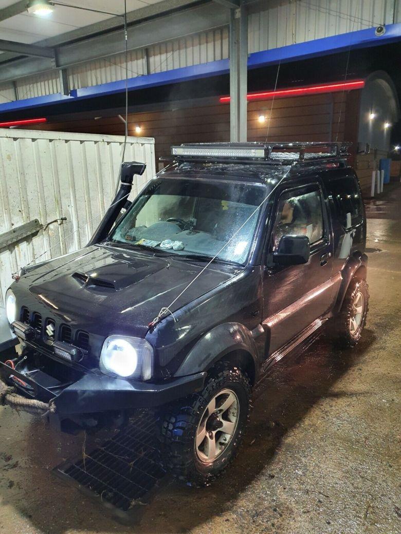 Suzuki jimny 4x4 offroad