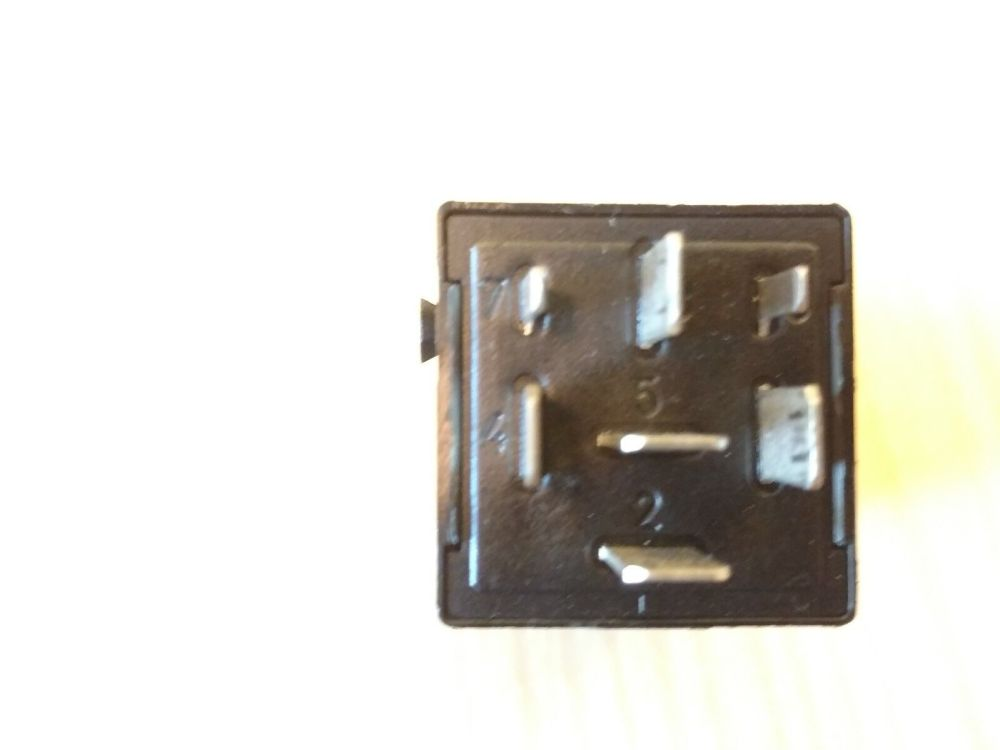 medium resolution of oem bmw z3 96 02 e36 hazard flasher relay module siemens 61361388533 1388533 for sale online ebay