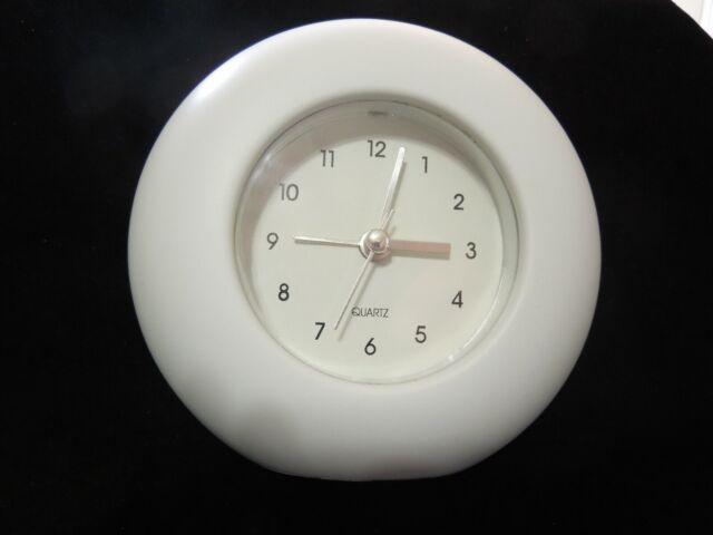 Quartz Alarm Clock Beeping White
