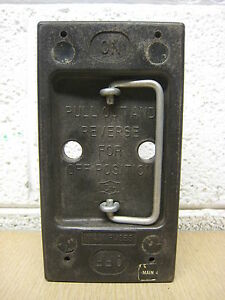 Cutler Hammer Ch 100 Amp 100a Main Fuse Holder Pullout