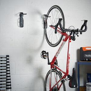 details sur lot de 2 velo support de rangement mural crochets acier pour suspendre cycles velo afficher le titre d origine