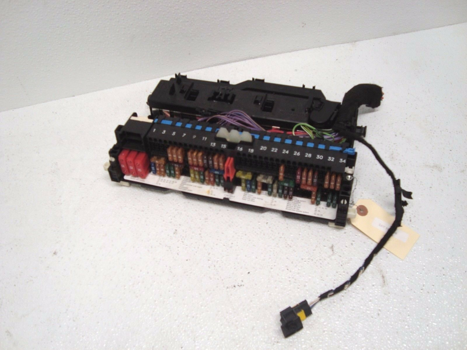 hight resolution of 2004 2006 e46 bmw 325ci 330ci interior fuse box relay junction oem lot310