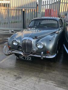 Daimler V8 250 Jaguar MK2