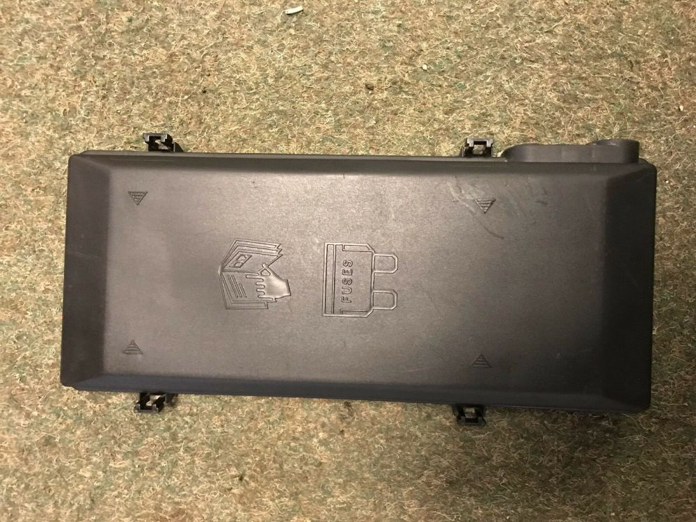 medium resolution of details about land rover discovery td5 fuse box cover