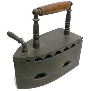 details sur fer a braise fer a repasser ancien en fonte