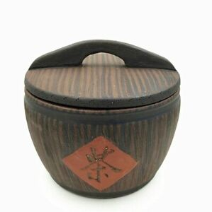 Yixing Tea Leaf Pot