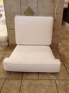 frontgate outdoor lounge chairs wheelchair adalah melbourne club chair cushion 29x28 white image is loading