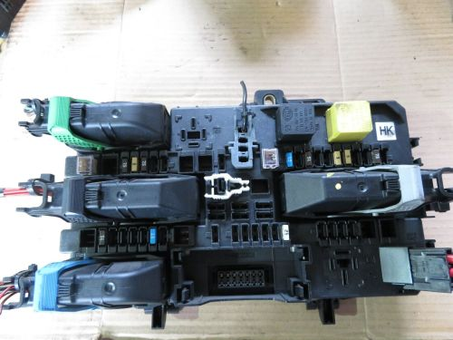 small resolution of vauxhall astra h zafira b rear fuse box relay 13 206 762 hk bcm tested 05 12