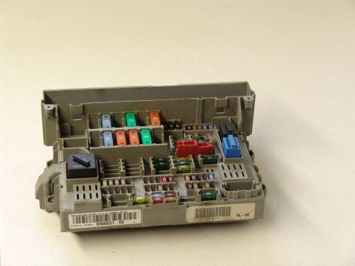 small resolution of oem bmw e90 2005 3 series fuse power distribution box 6906621 bmw e93 fuse box wiring