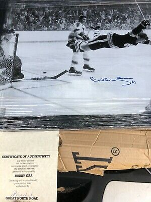 Bobby Orr Dive : bobby, Autographed, Bobby, 16x20, Photo, Framed, Great, North, Certified, Signed