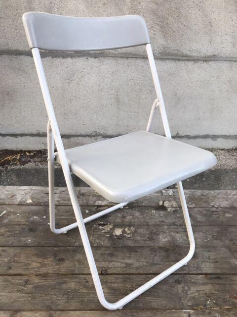 ancienne chaise pliante graal chair n 1 pop metal blanc plastique gris vintage