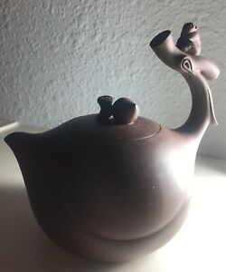 Chinese Antique YiXing ZiSha Pottery Tea Pot