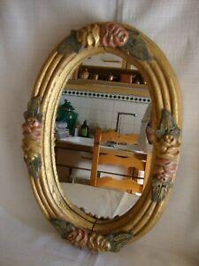 details sur miroir ovale ancien en bois polychrome sculpte