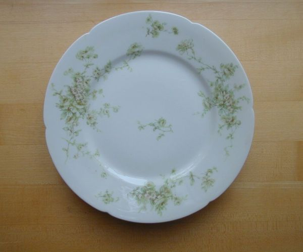 "3 Haviland 9"" Dinner Plates Daisy Pattern Limoges France"
