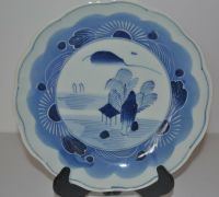 ANTIQUE JAPANESE BLUE AND WHITE PORCELAIN PLATE