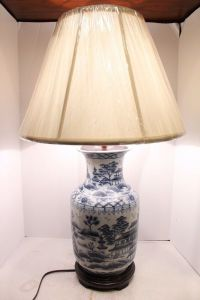 Beautiful Blue and White Porcelain Vase Lamp Table Lamp ...