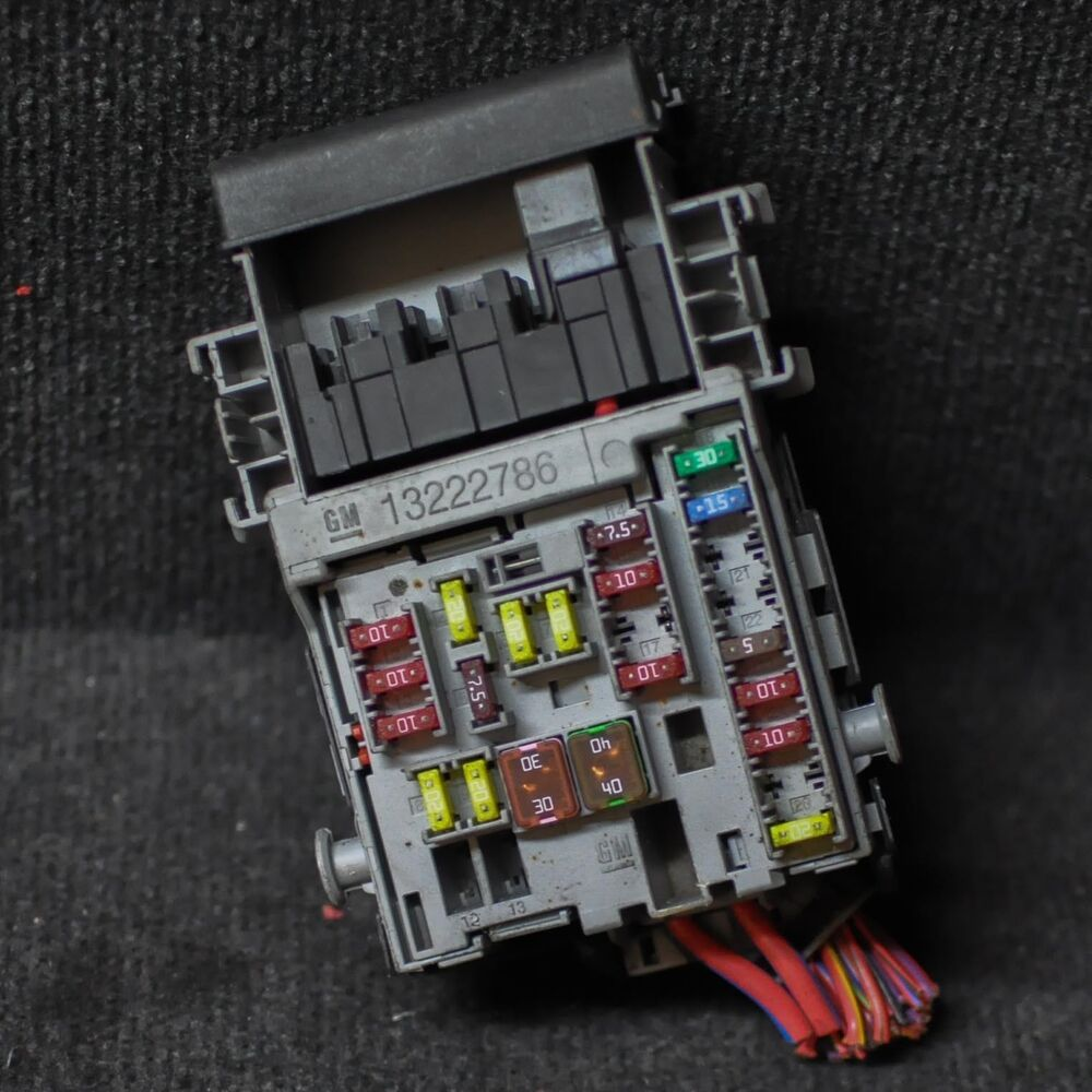 hight resolution of details about opel vauxhall astra j diesel fuse box 13222786