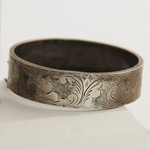 ANTIQUE VICTORIAN ETCHED STERLING SILVER HINGED BANGLE