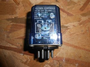 DELTROL CONTROLS 8420 120 VOLT COIL 8 PIN ICE CUBE RELAY