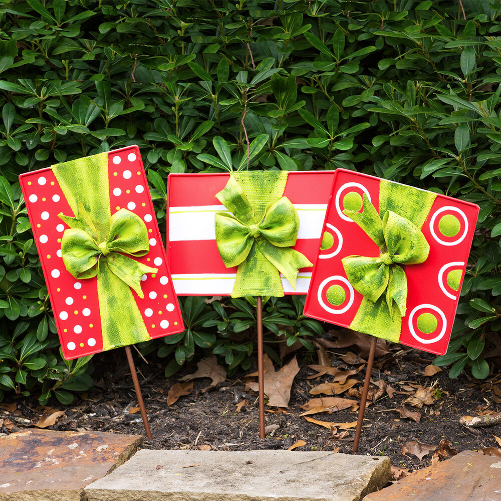 Christmas Gift Box Door Decoration and Lawn Ornaments (Set