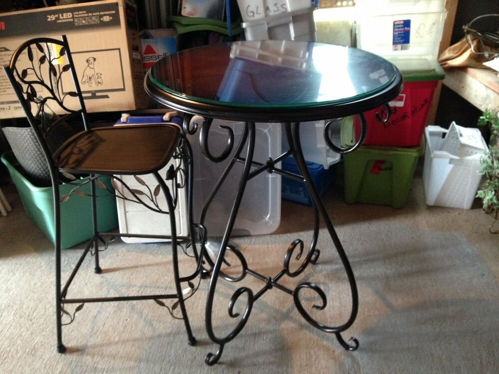 WROUGHT IRON PUB GLASS ROUND TABLE & 4 CHAIRS