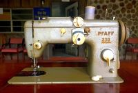 Antique Pfaff 230 Sewing Machine With Built In Sewing ...