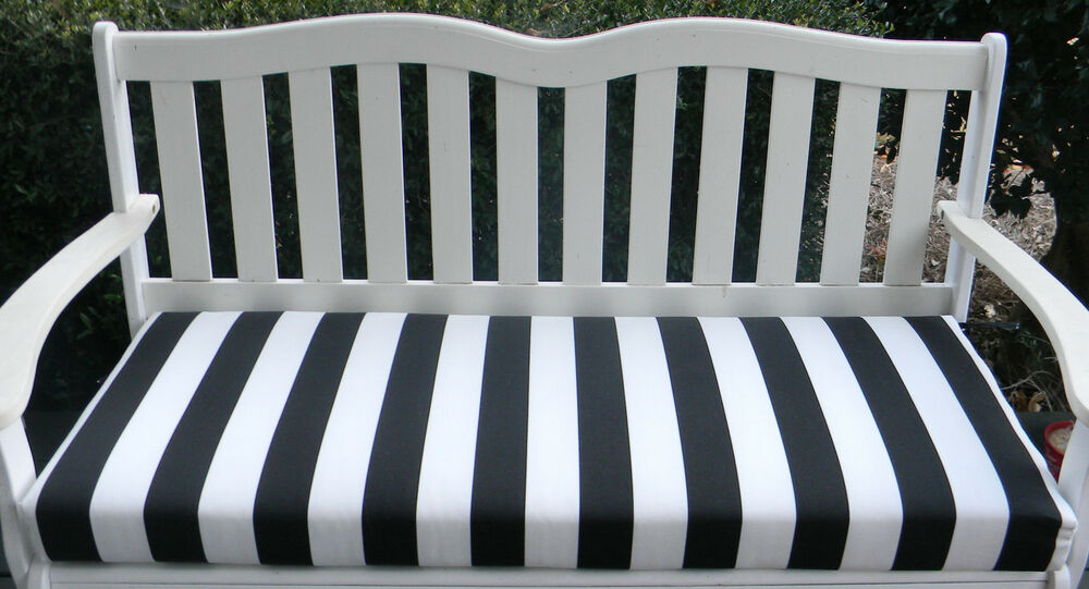 IN / OUTDOOR SWING / BENCH CUSHION-BLACK AND WHITE STRIPE
