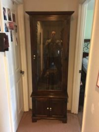 Ethan Allen Dark Antiqued Pine Old Tavern Gun Cabinet