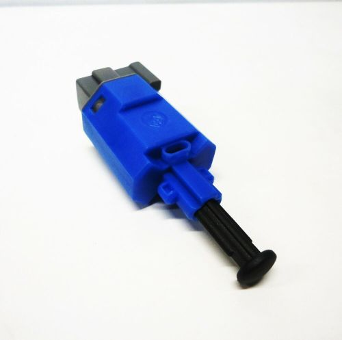 small resolution of genuine holden new cruise control switch suits manual vt vx vy vz commodore ebay