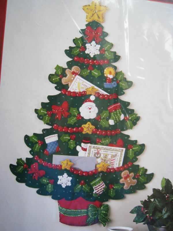 Bucilla Felt Applique KitCHRISTMAS TREECard Holder