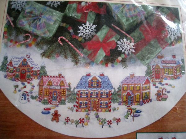Dimensions Christmas Counted Cross Tree Skirt Craft Kit