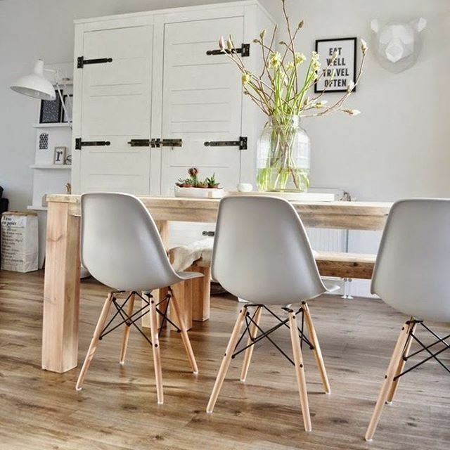 Set Of 4 Dining Chairs Designer Inspired DSW Eiffel Style