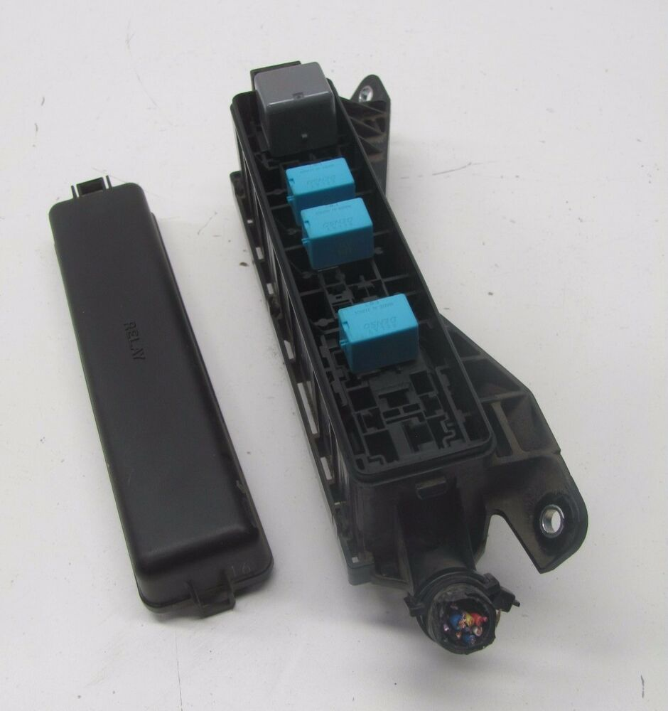 hight resolution of details about km510154 04 05 06 07 08 09 toyota prius under hood fuse and relay box oem