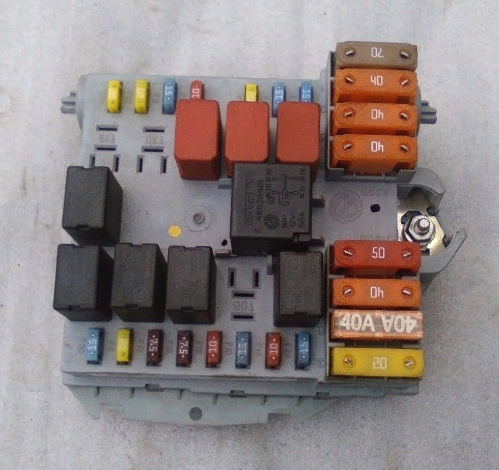 hight resolution of details about oem alfa romeo 159 1 9 jtdm 16v fuse box branch control unit fuse relay 50504455