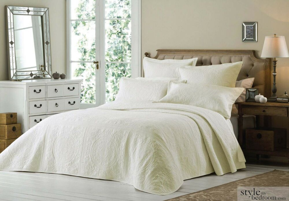 Luxury Super King Size Cream Quilted Embroidered Bedspread