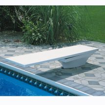 Awesome Swimming Pools With Diving Boards