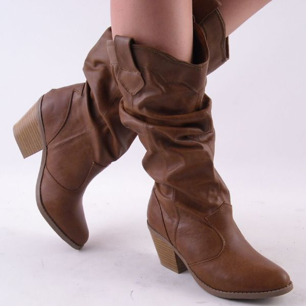 Womens Light Brown Slouch Toe Cowboy Boots Size 9