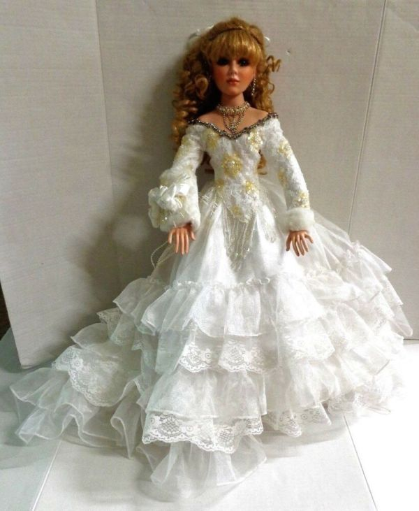 "Rustie Winter Bliss Porcelain Bride Doll 26"" 2003 Mbi"