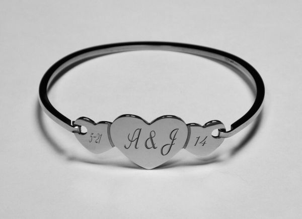 PERSONALIZED SILVER STAINLESS STEEL LADIES TRIPLE HEART