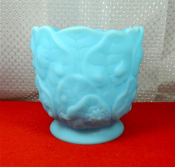 FENTON BLUE SATIN GLASS quotWATER LILYquot PATTERN 5 12quot TALL