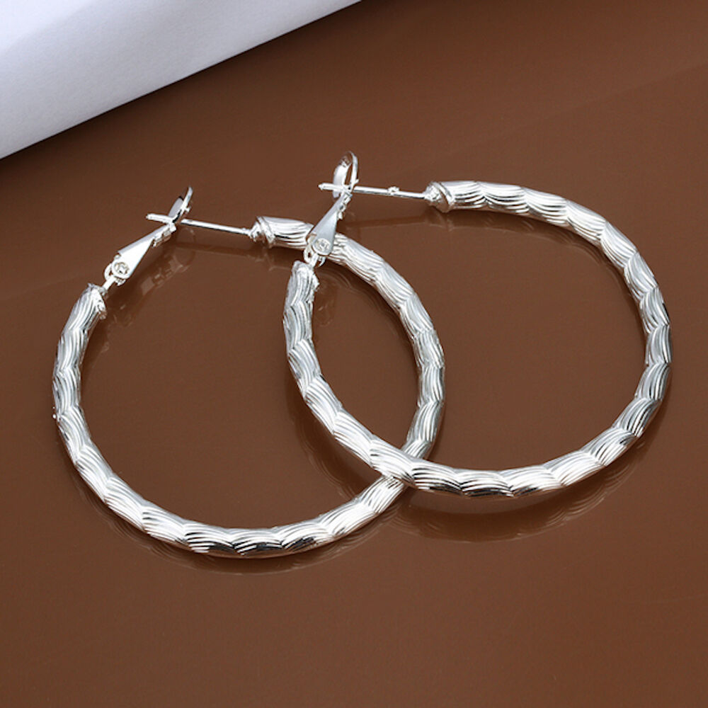 925 Sterling Silver Hoop Pierced Earrings L105