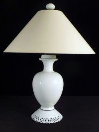 VTG Westmoreland Milk Glass Urn Form Large Table Lamp | eBay