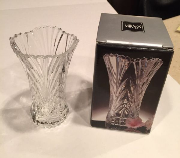 "Mikasa Crystal Glass ""accent"" Bud Vase Style Qq251 612"