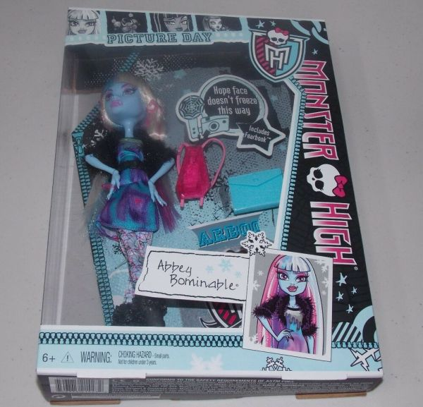 Monster High Day Abbey Bominable Doll Fearbook Yeti