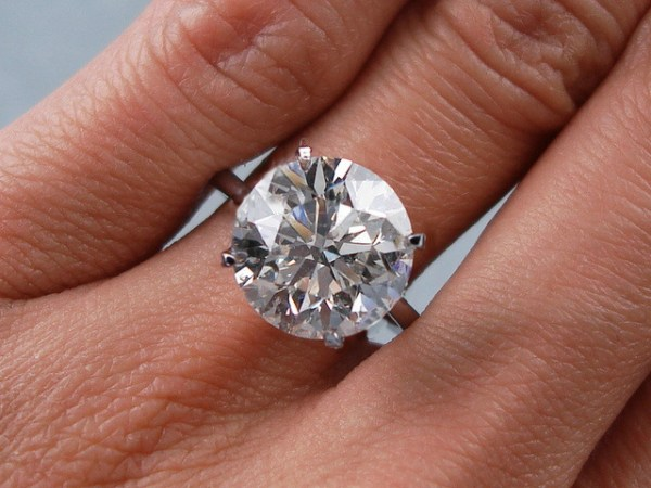 3 Carat Round Cut D Vs2 Diamond Solitaire Engagement Ring