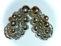 VINTAGE CORO - PURELY DECORATIVE GOLDTONE CLIP-ON EARRINGS ...