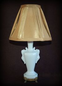 Vintage Ceramic LAMP ~ Accent / Boudoir