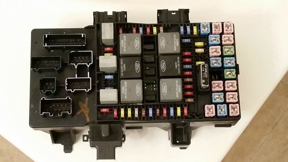 Lincoln Town Car Fuse Box Diagram On 2004 Lincoln Town Car Fuse Box